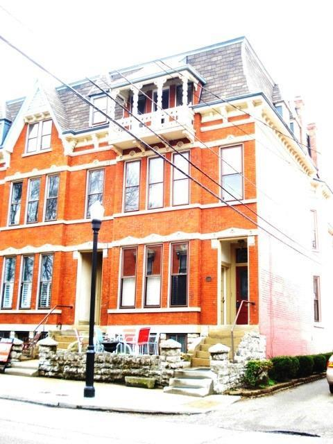 real estate photo 1 for 221 E 3rd St, B Covington, KY 41011
