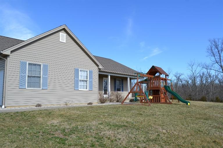 real estate photo 1 for 3565 Heekin Lawrenceville Rd Williamstown, KY 41097