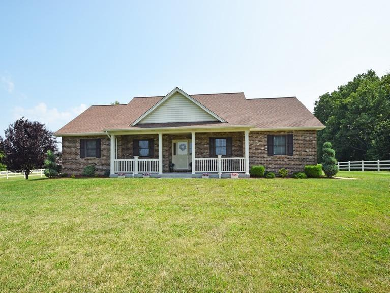 real estate photo 1 for 390 Quail Run Rd Butler, KY 41006