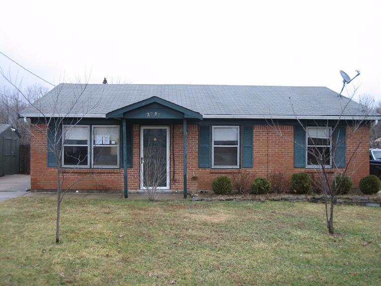 real estate photo 1 for 2996 Douglas Dr Burlington, KY 41005