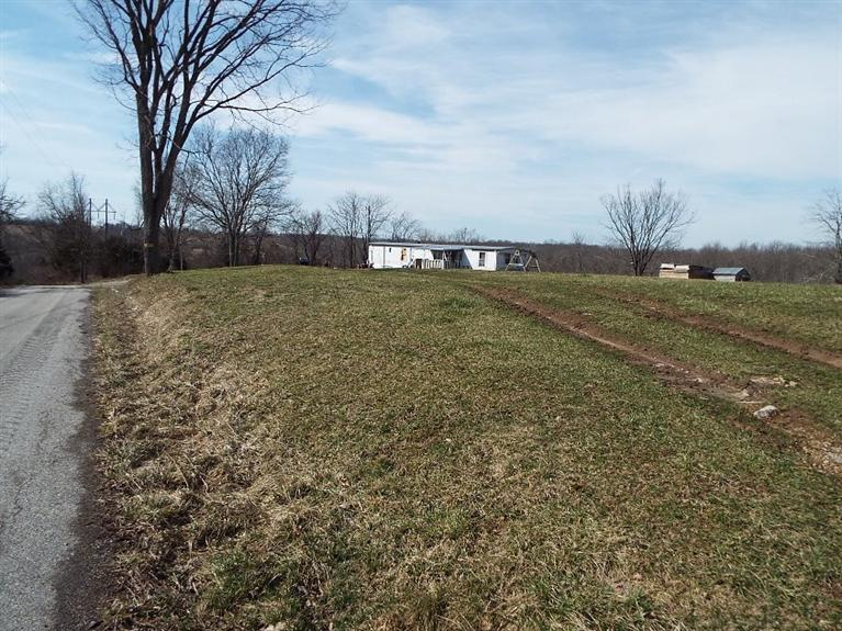real estate photo 1 for 745 Mann Rd Crittenden, KY 41030