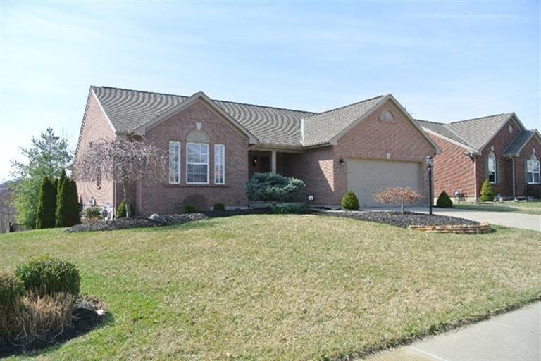 real estate photo 1 for 7261 Wind Brook Dr Florence, KY 41042