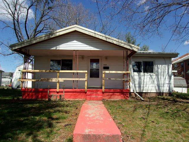 real estate photo 1 for 504 E Fourth St Falmouth, KY 41040