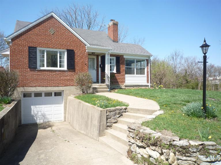 Photo 1 for 1302 E Henry Clay Ave Fort Wright, KY 41011
