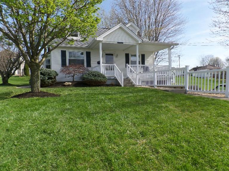real estate photo 1 for 103 Greenup St Alexandria, KY 41001