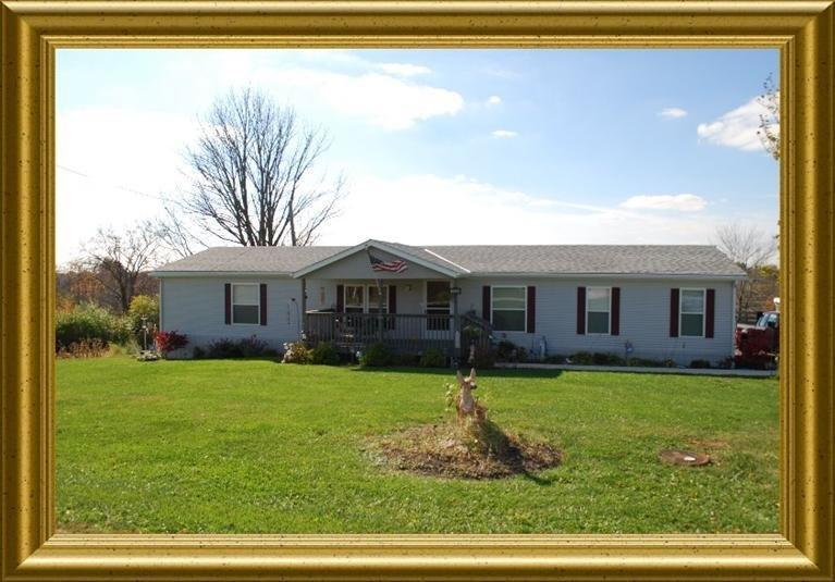real estate photo 1 for 15244 Carlisle Rd Crittenden, KY 41030