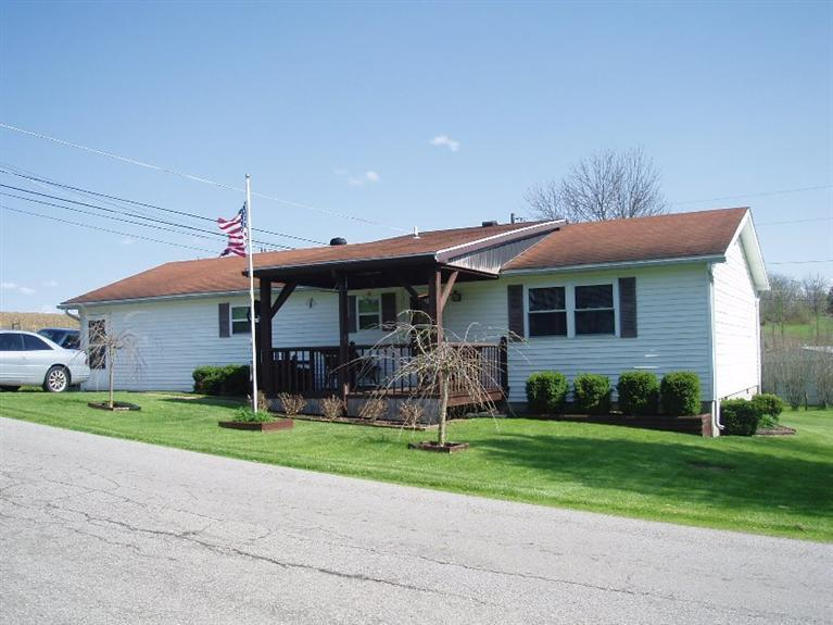 real estate photo 1 for 9004 Creamery Pike Maysville, KY 41056