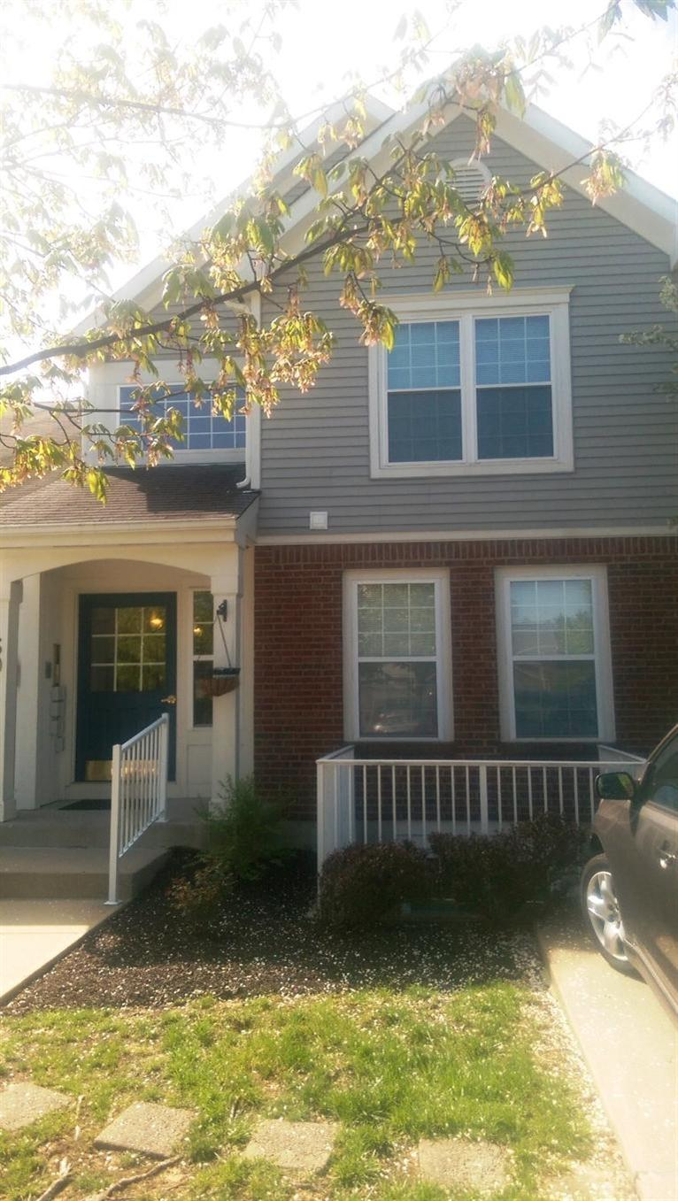 Photo 1 for 60 Livingston Ln, D Highland Heights, KY 41076