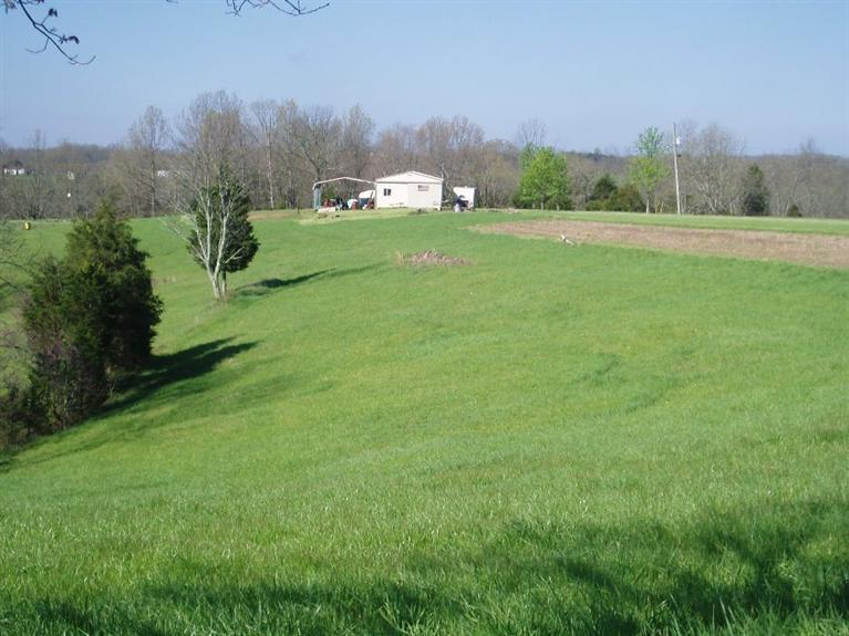 real estate photo 1 for 2942 Oakland Rd Brooksville, KY 41004