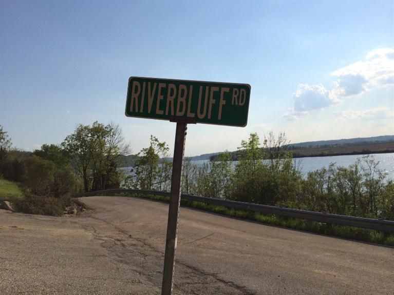 3880 River Bluff Rd