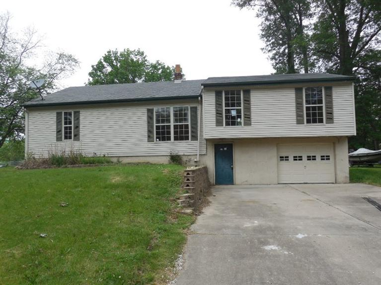 real estate photo 1 for 215 W Third St Silver Grove, KY 41085