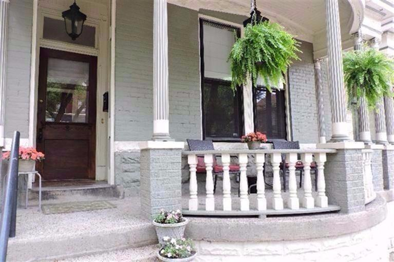 real estate photo 1 for 528 Garrard St, A Covington, KY 41011