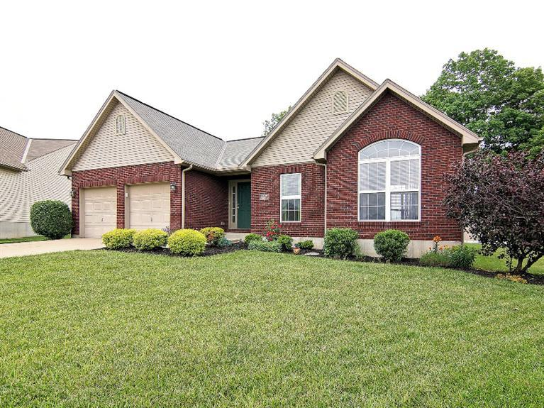 real estate photo 1 for 1027 Buddleia Ct Florence, KY 41042