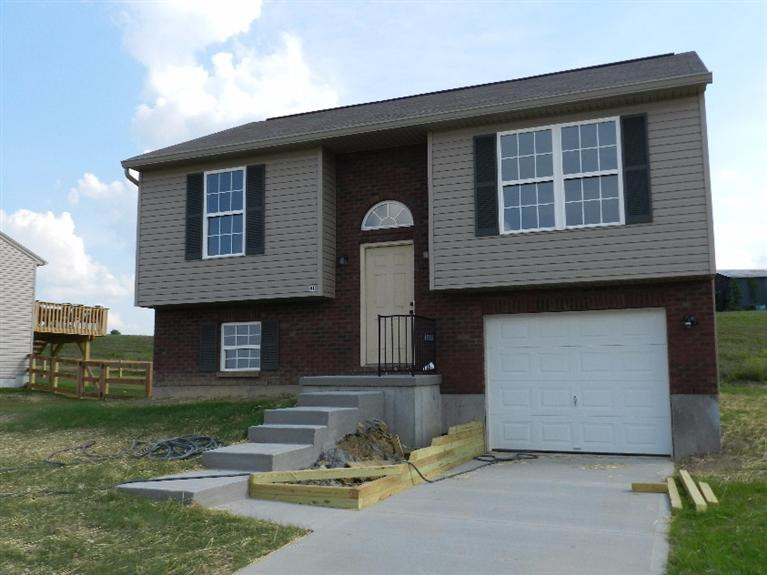real estate photo 1 for 415 Lost Creek Dr Walton, KY 41094