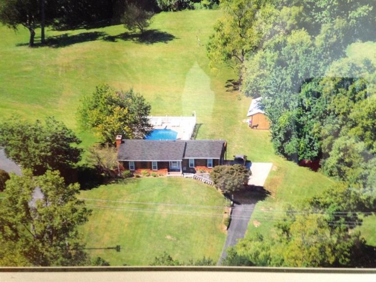 real estate photo 1 for 1805 Tanner Rd Hebron, KY 41048