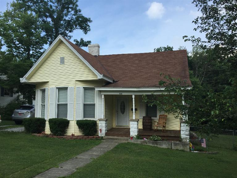 real estate photo 1 for 516 N Main St Williamstown, KY 41097