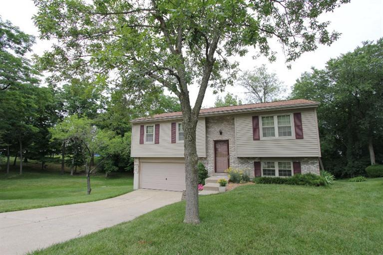 real estate photo 1 for 6108 Walnut Ct Florence, KY 41042