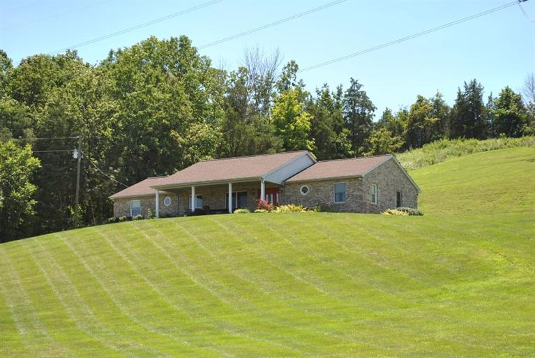 real estate photo 1 for 3551 Ivor Rd California, KY 41007