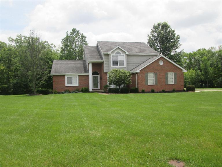 real estate photo 1 for 800 Brittany Trl Florence, KY 41042
