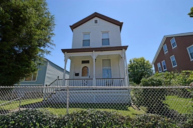 real estate photo 1 for 327 Linden St Ludlow, KY 41016