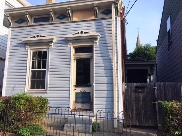 Photo 1 for 636 W 12th St Covington, KY 41011