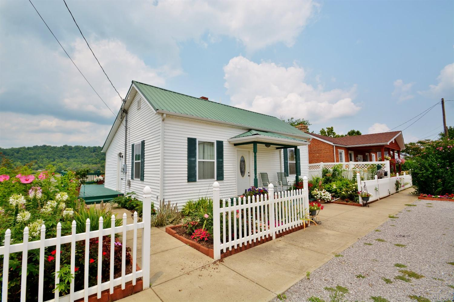 real estate photo 1 for 305 307 E High St Warsaw, KY 41095