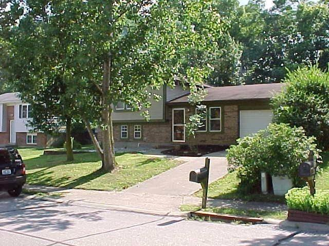 real estate photo 1 for 7774 Ravenswood Dr Florence, KY 41042