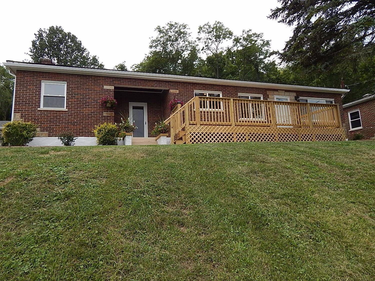 Photo 1 for 715 Parkview Dr Taylor Mill, KY 41015