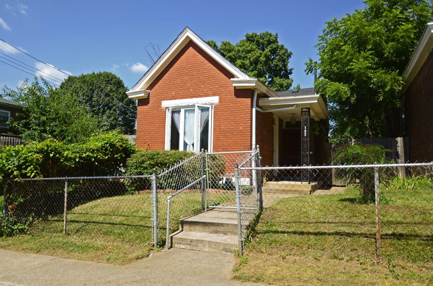 real estate photo 1 for 703 Walnut St Dayton, KY 41074
