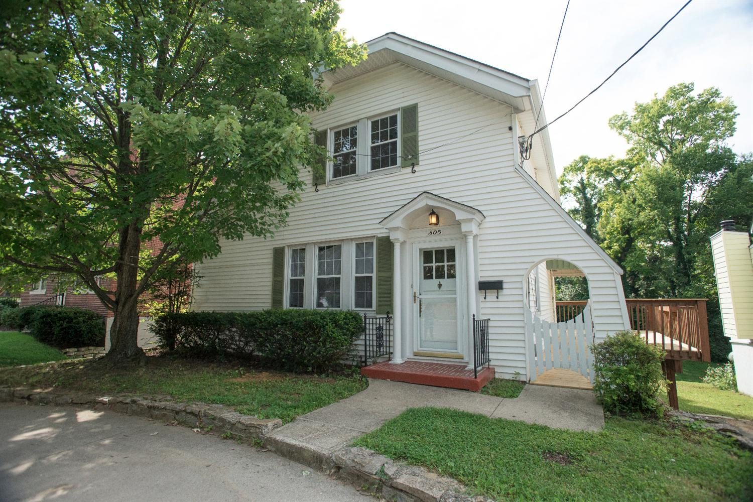 real estate photo 1 for 805 S Grand Ave Fort Thomas, KY 41075