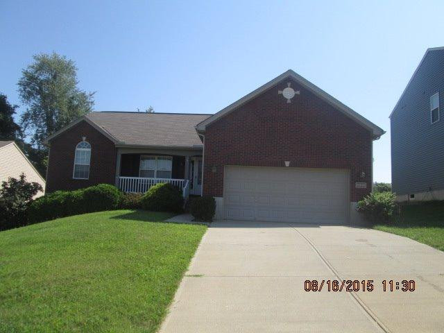 real estate photo 1 for 6916 Lucia Dr Burlington, KY 41005