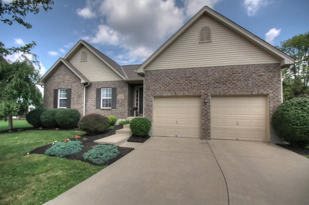 real estate photo 1 for 1030 Buddleia Ct Florence, KY 41042
