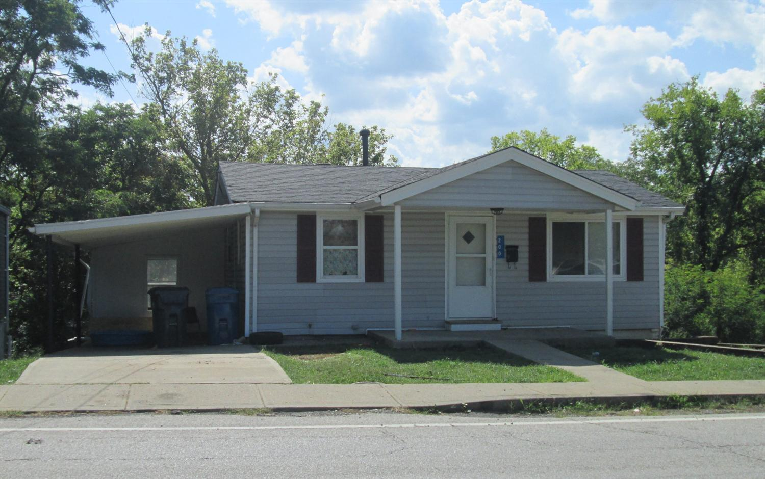 real estate photo 1 for 200 Falmouth St Williamstown, KY 41097