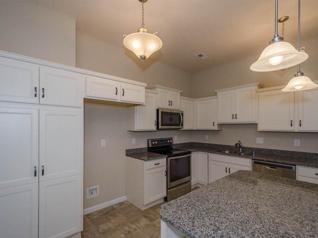 4196 Country Mill Rdg, 18303