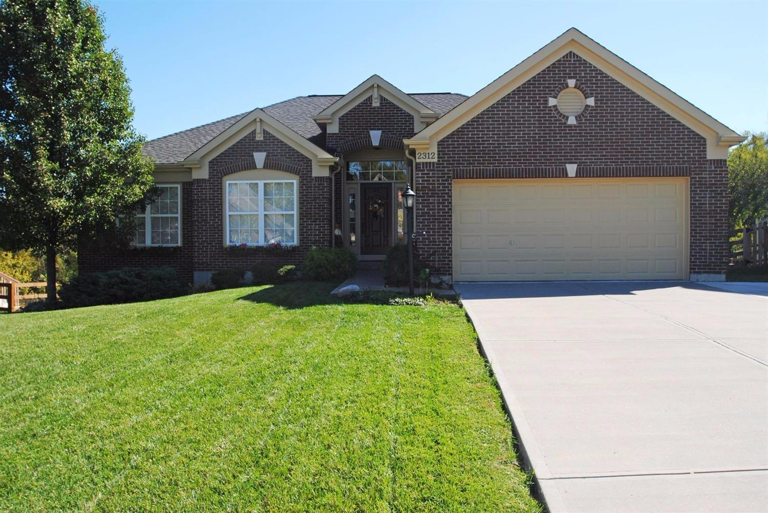 real estate photo 1 for 2312 Oakview Ct Hebron, KY 41048