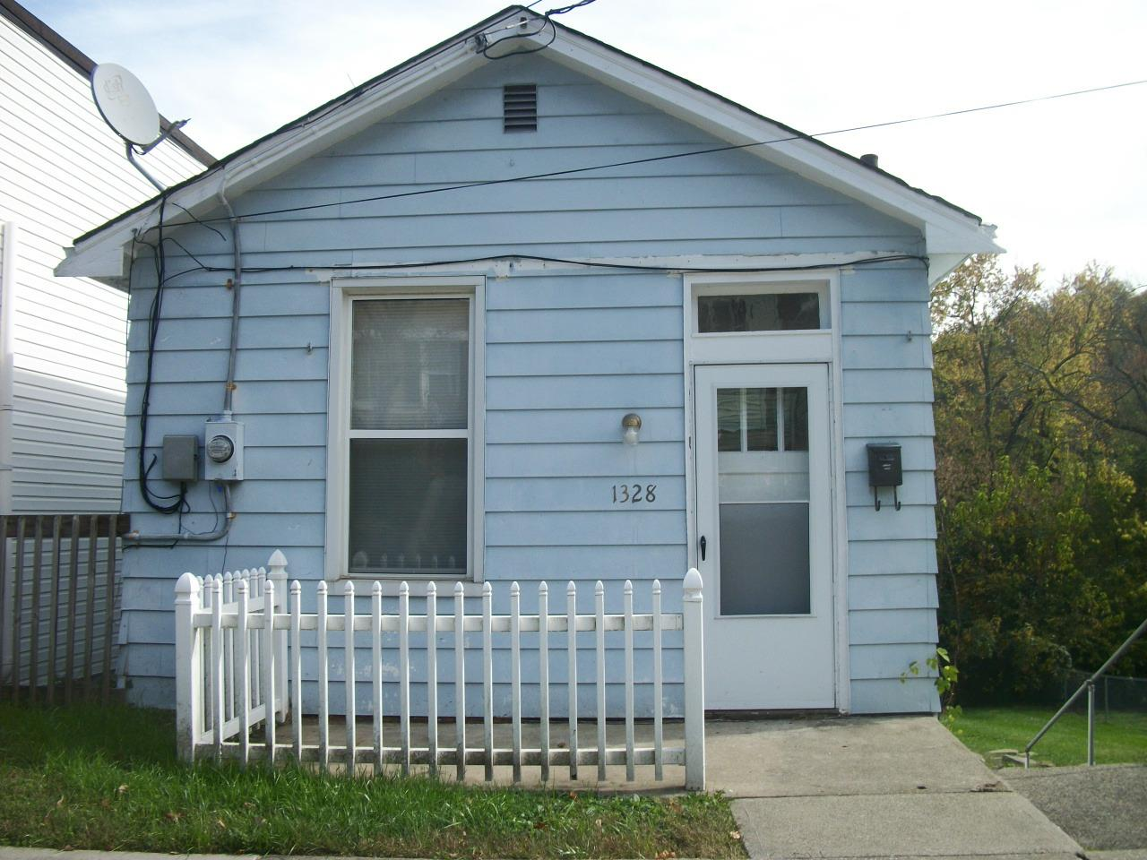 real estate photo 1 for 1328 Parkway Ave Covington, KY 41016