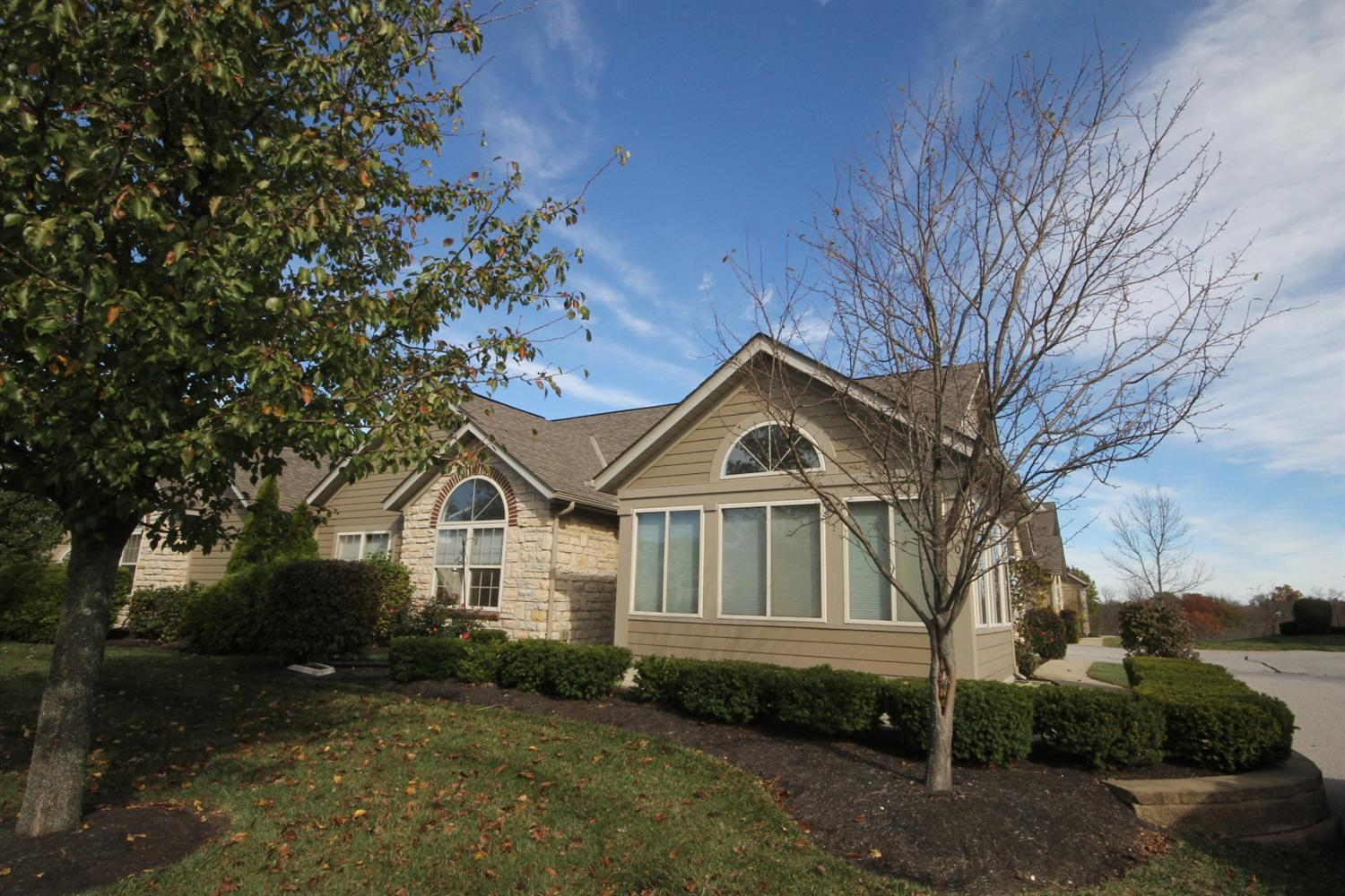real estate photo 1 for 9104 Timberbrook Ln, C Florence, KY 41042