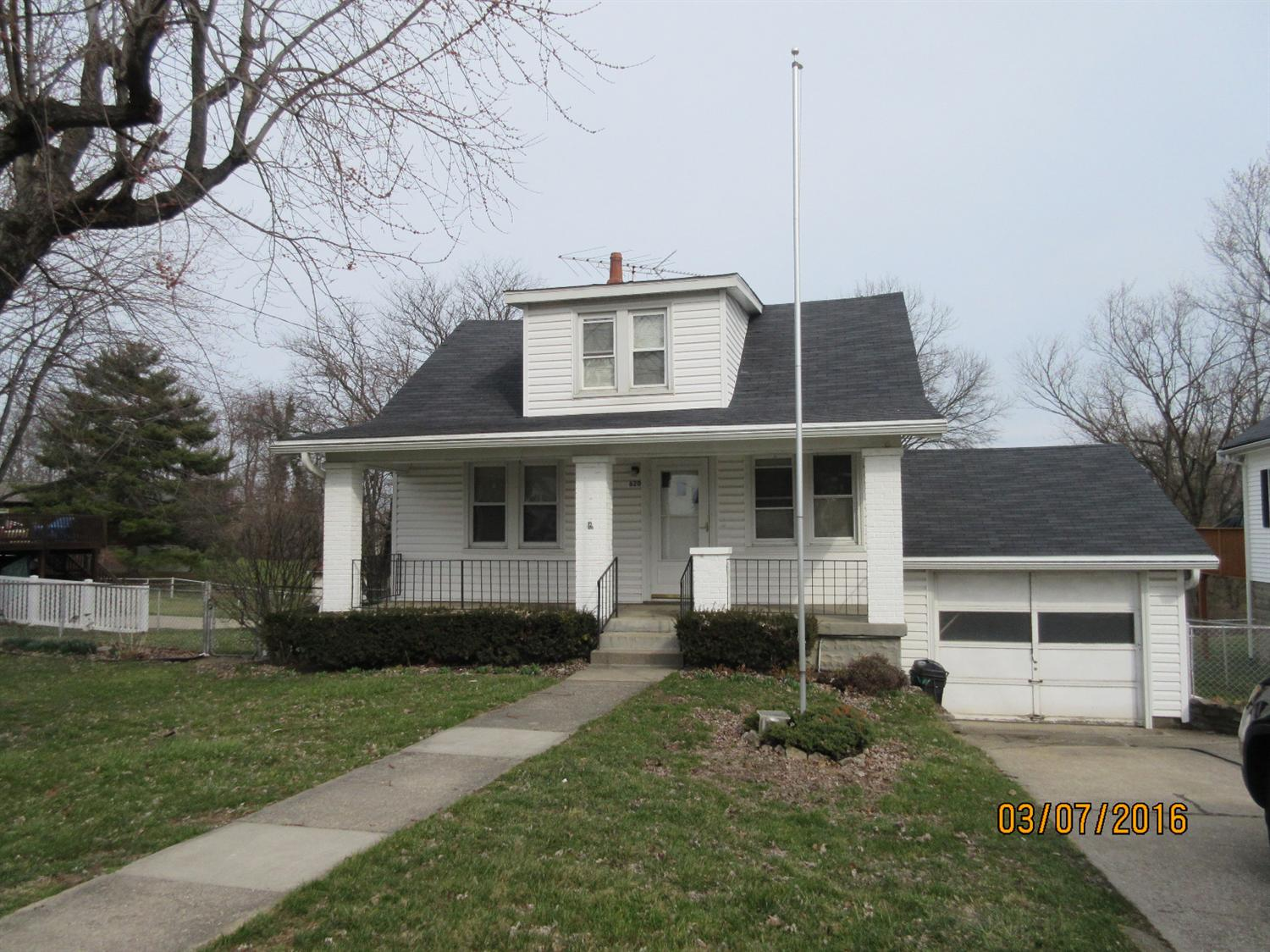 real estate photo 1 for 620 Kentaboo Ave Florence, KY 41042