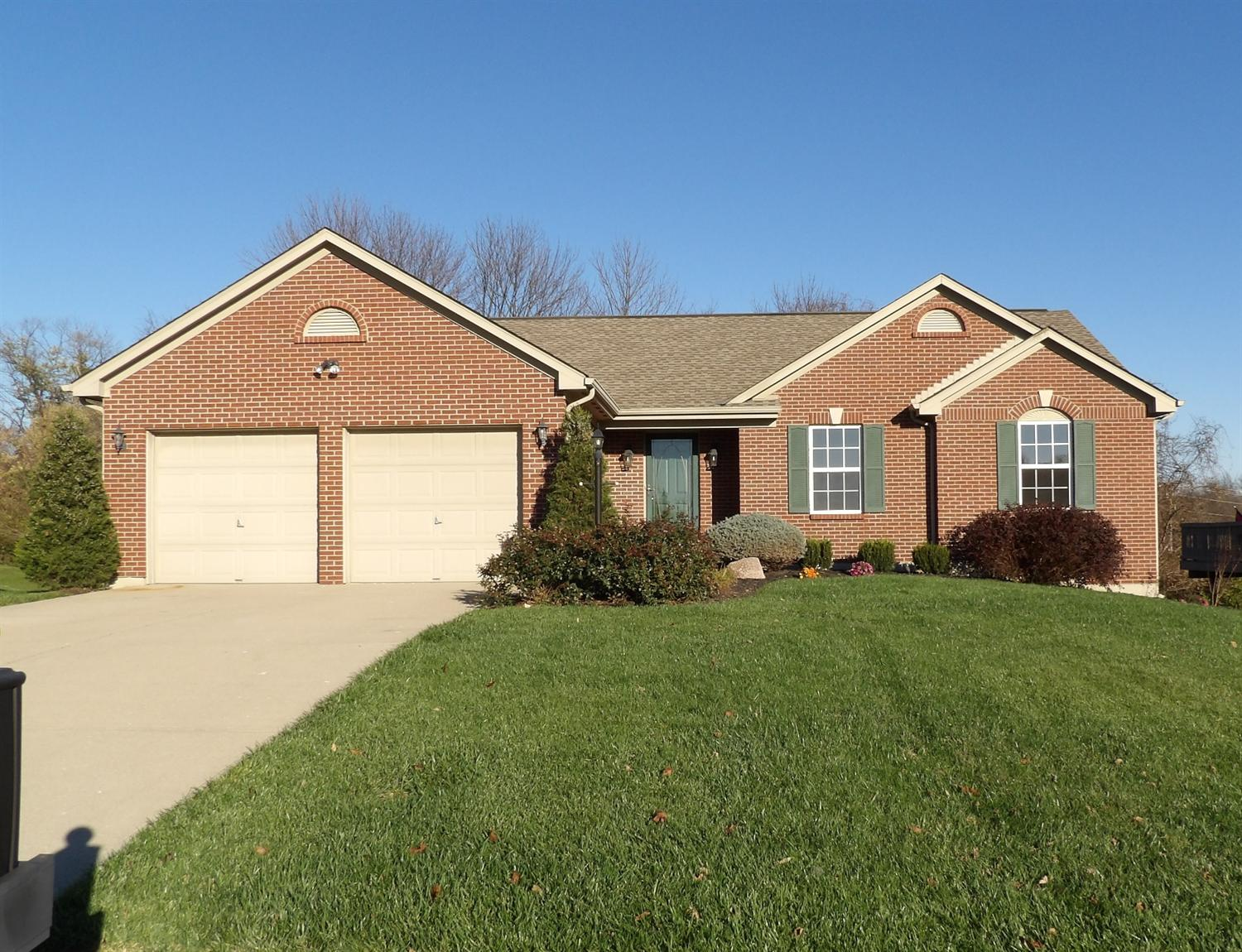real estate photo 1 for 986 Surfridge Dr Hebron, KY 41048