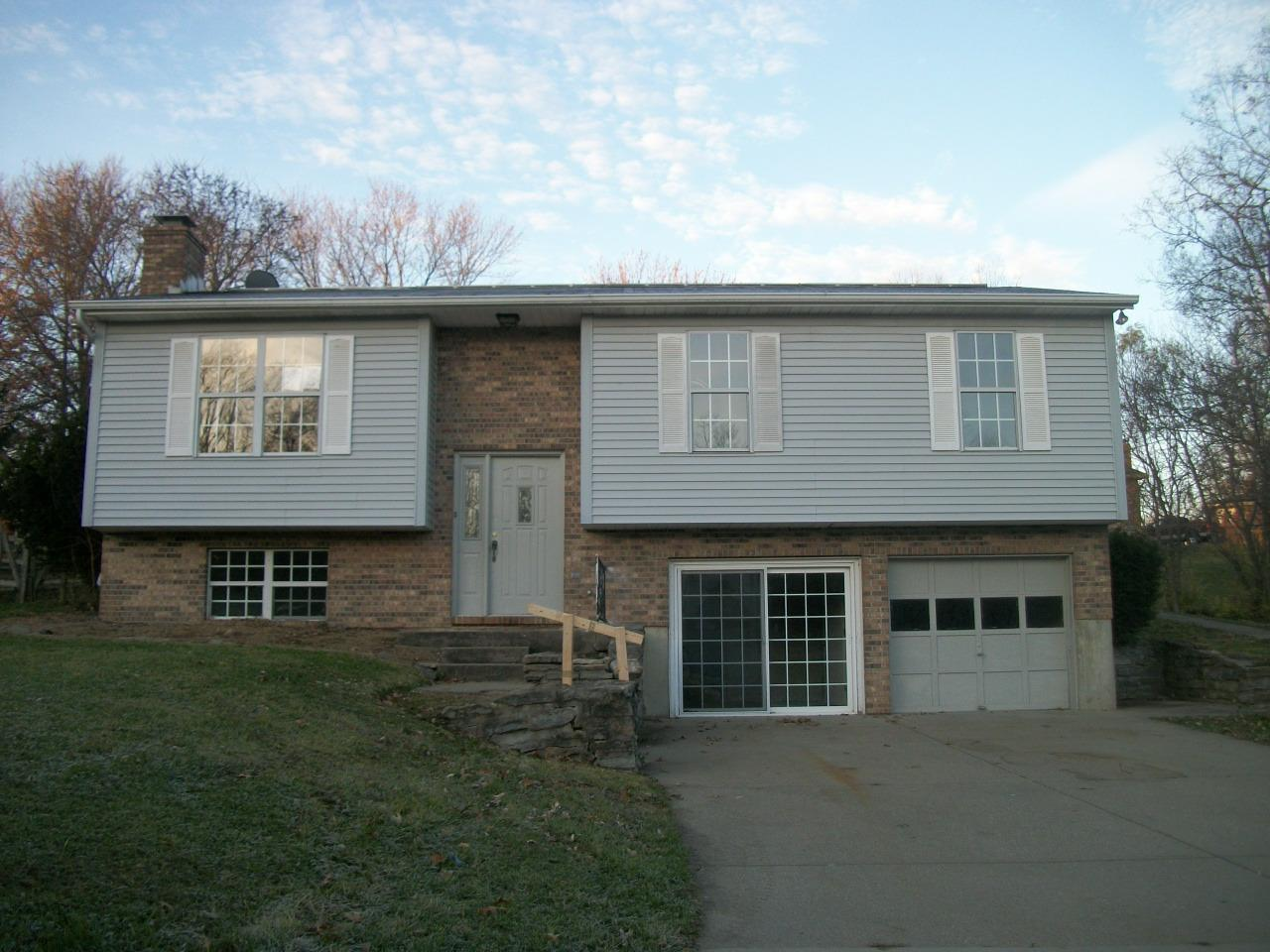 real estate photo 1 for 3569 James Ln Alexandria, KY 41001