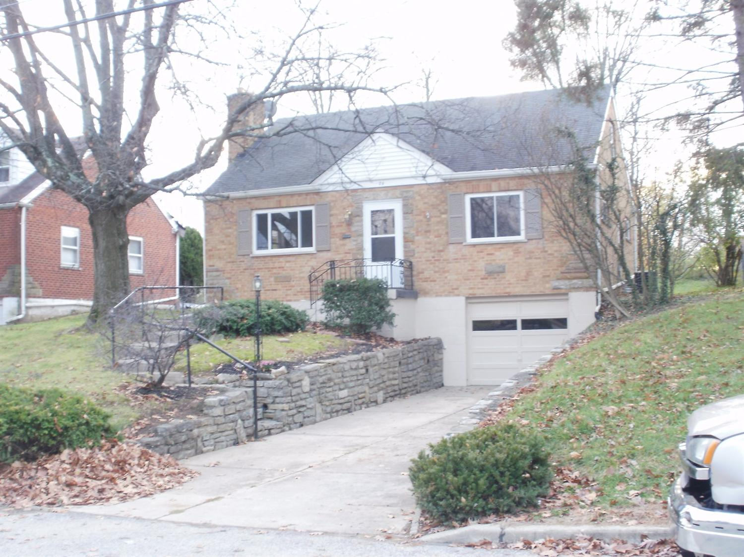 real estate photo 1 for 29 Locust Ln Florence, KY 41042