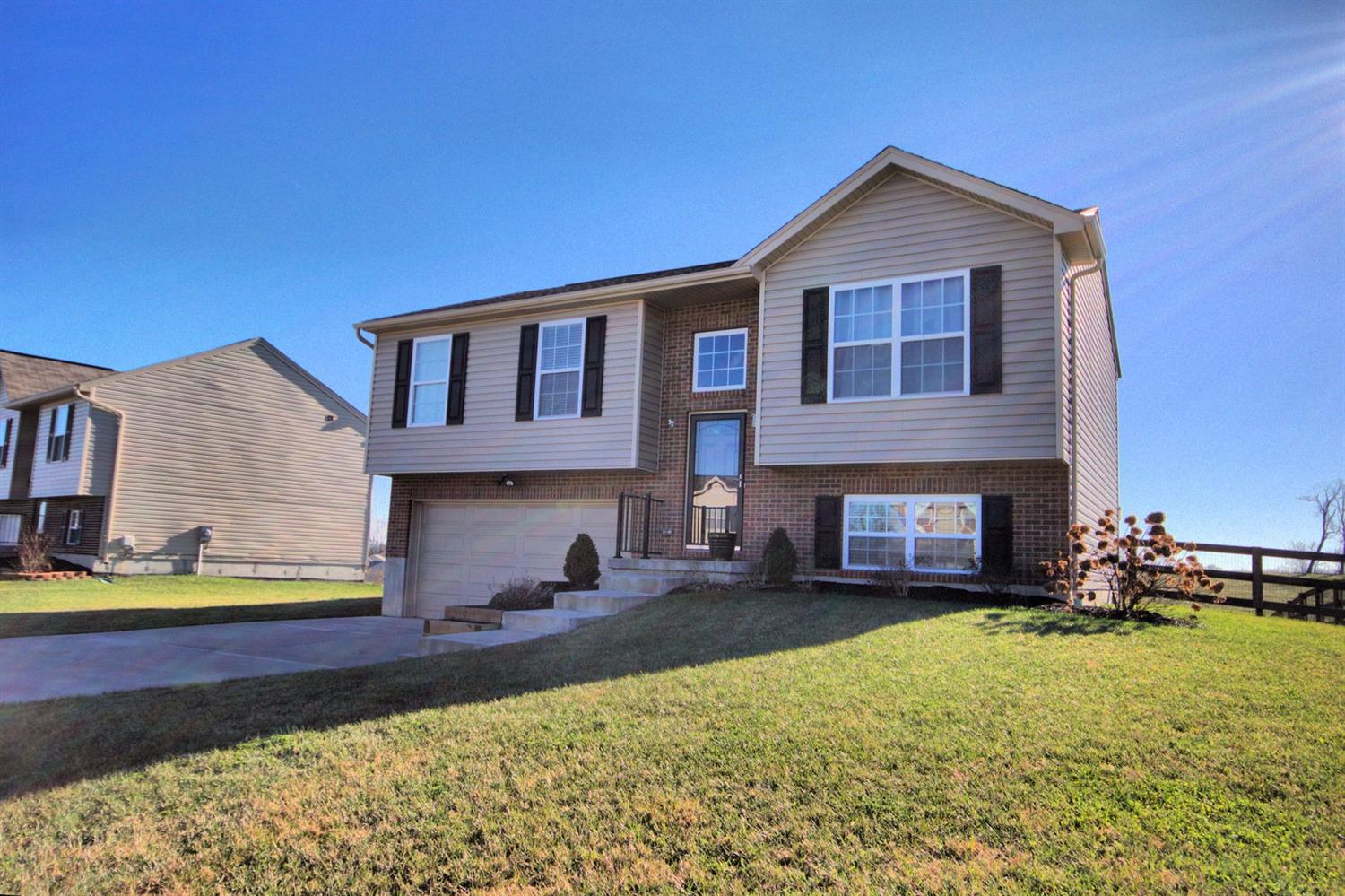 Photo 1 for 367 Rocky Pointe Ct Walton, KY 41094