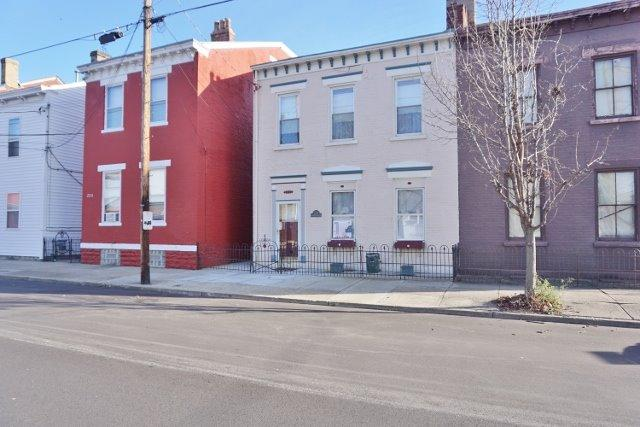 real estate photo 1 for 224 E 8th St Newport, KY 41071