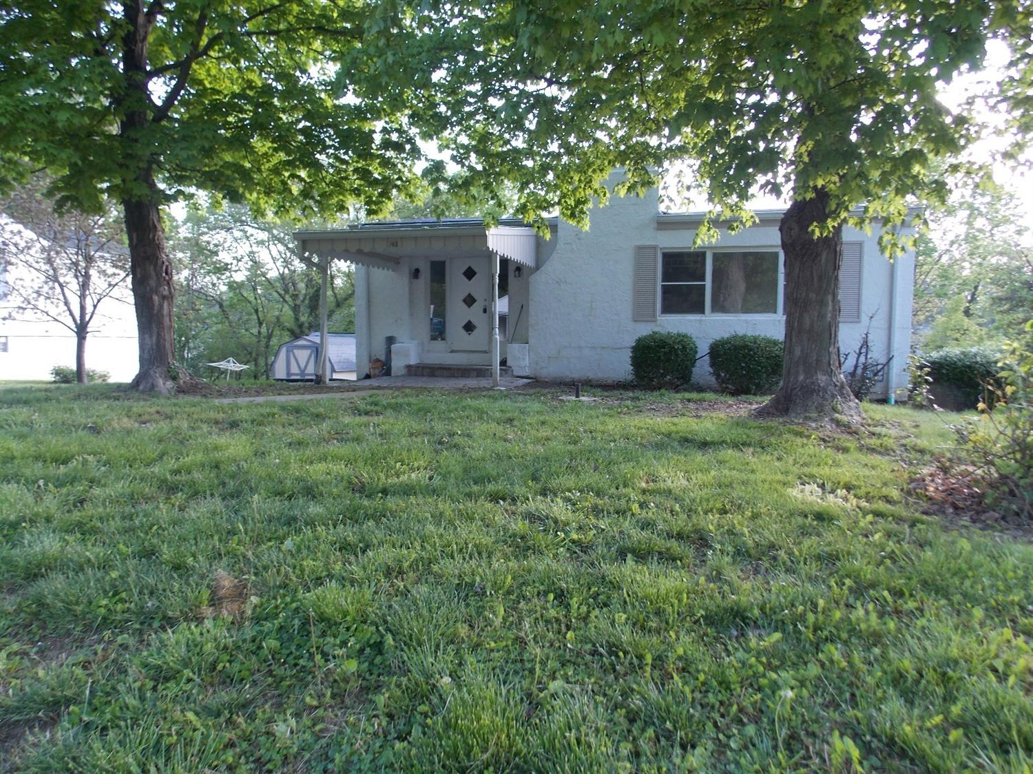 real estate photo 1 for 118 Sanders Dr Florence, KY 41042