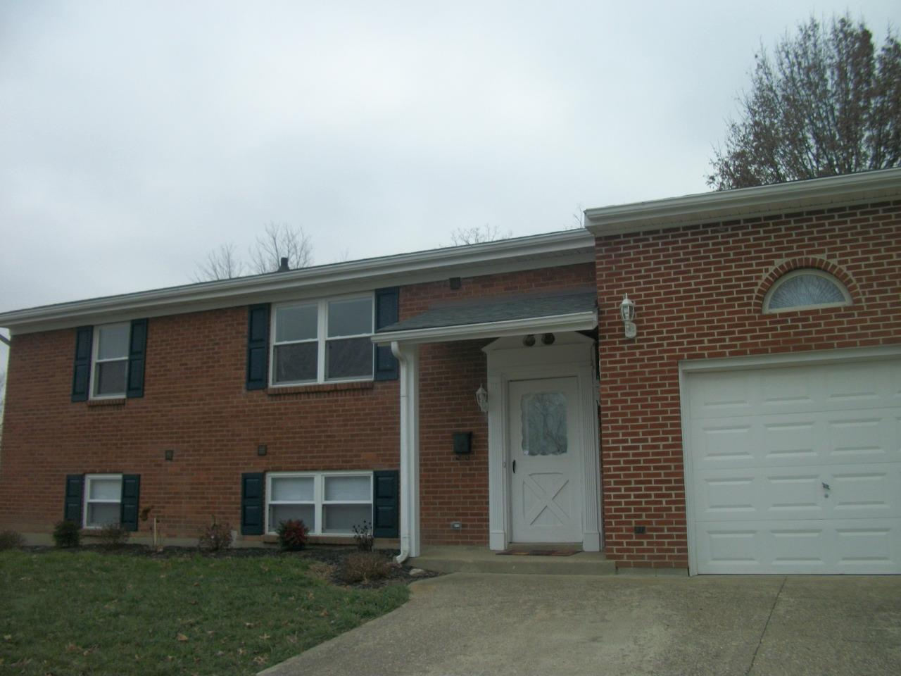 real estate photo 1 for 7121 Manderlay Dr Florence, KY 41042