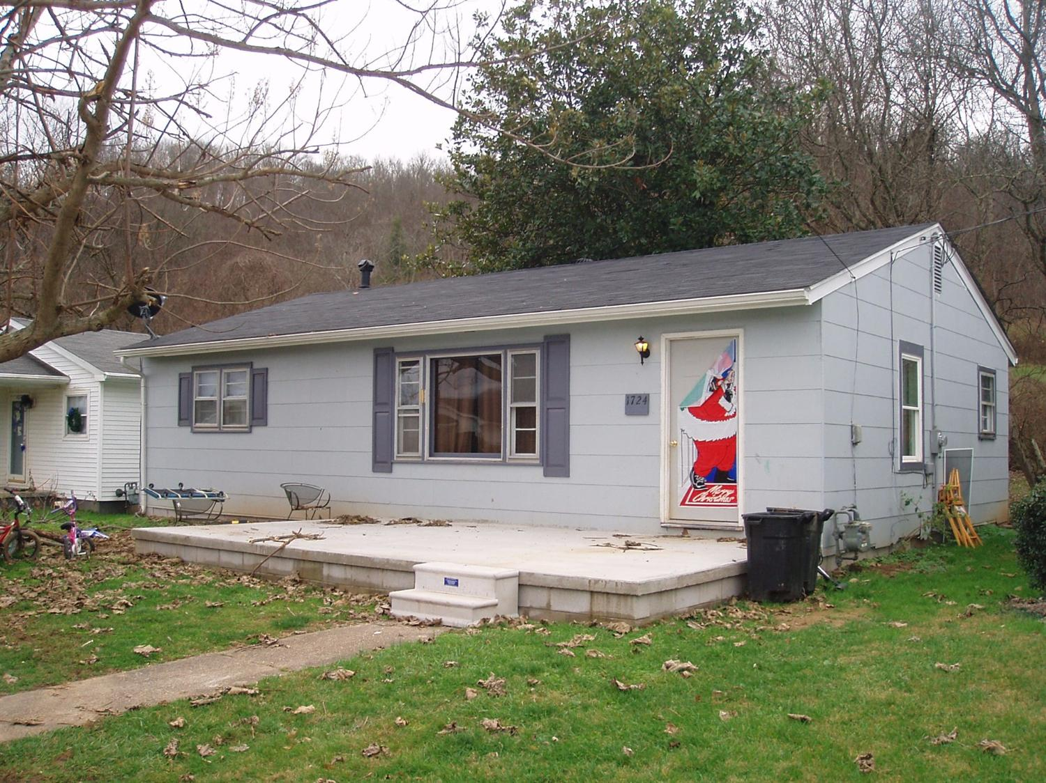 real estate photo 1 for 1724 Oak St Maysville, KY 41056