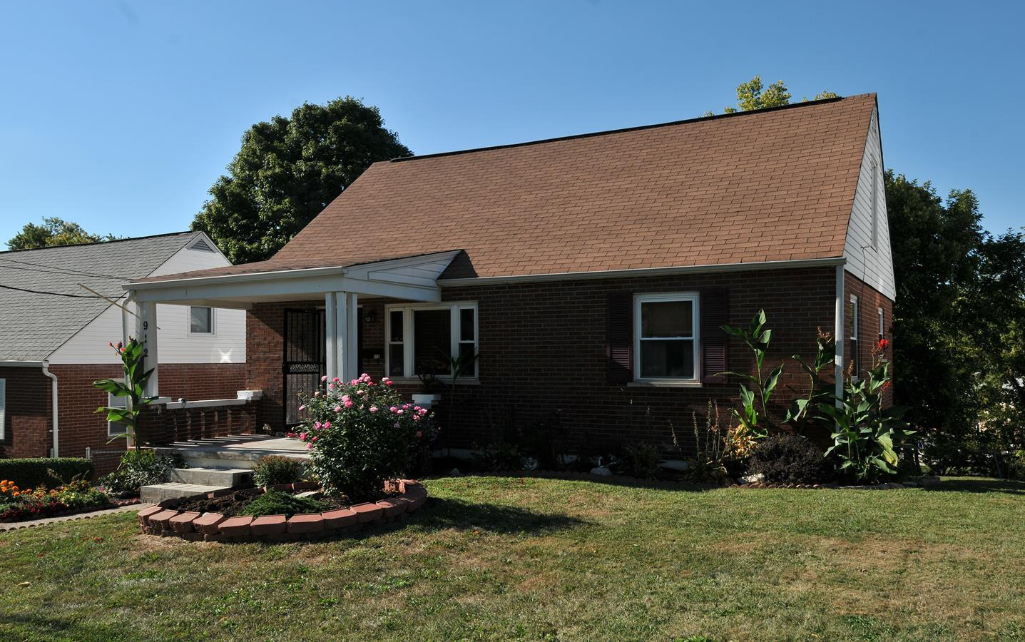 real estate photo 1 for 912 Virginia Ave Florence, KY 41042