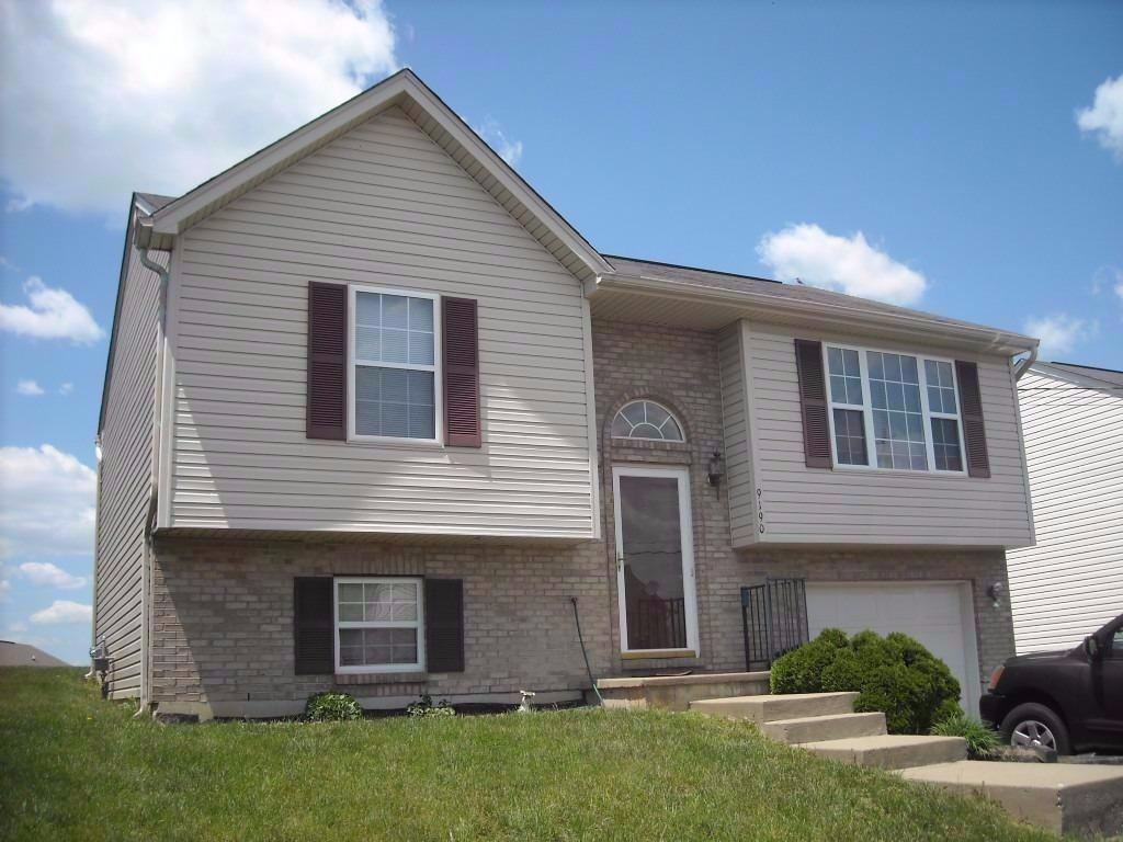 real estate photo 1 for 9190 Hawksridge Dr Covington, KY 41017