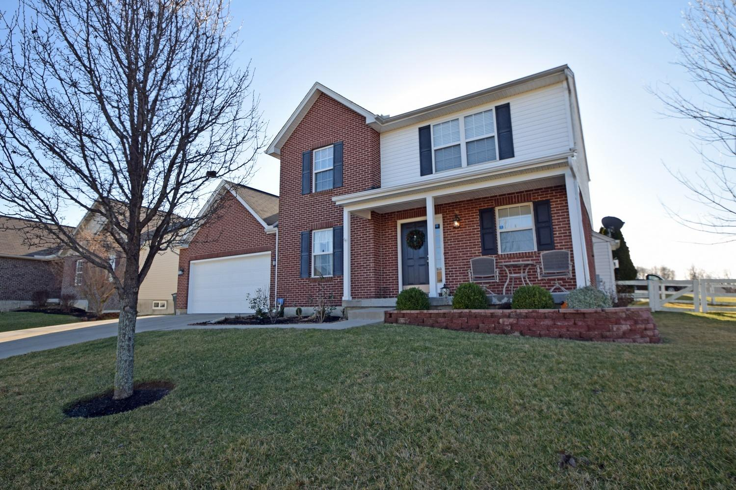 real estate photo 1 for 3051 Danbury Dr Florence, KY 41042