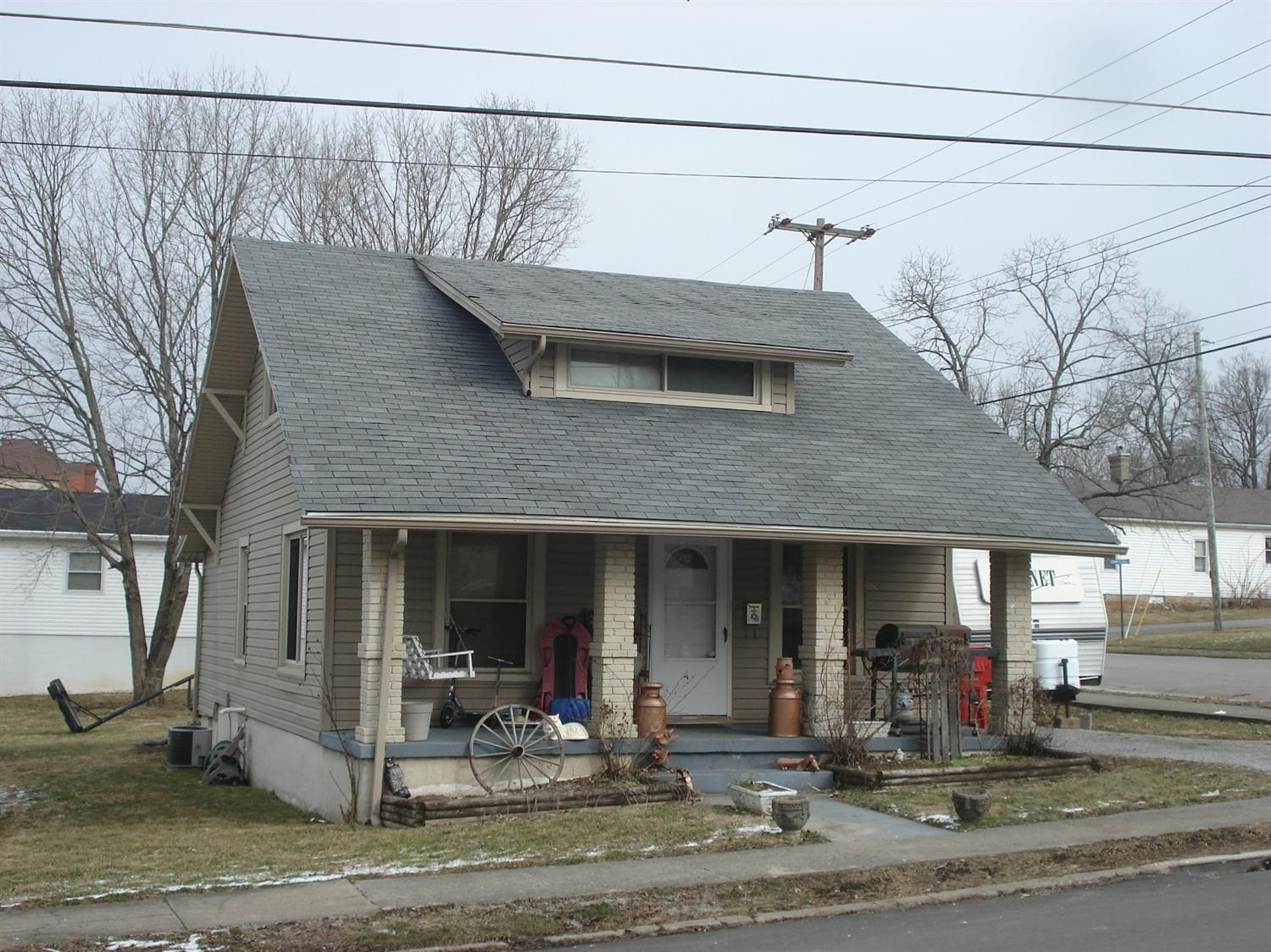 real estate photo 1 for 450 E Pleasant St Cynthiana, KY 41031